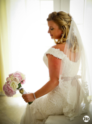 Bride in the bahamas
